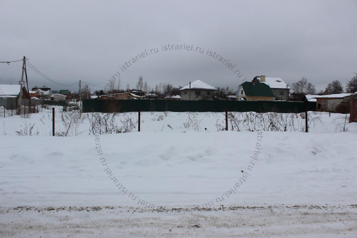 участок с коммуникациями за 3700000 рублей